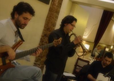 2012-12-20-00.04.54-Monel-Jazz-Trio-al-Tribeca-Barcelona